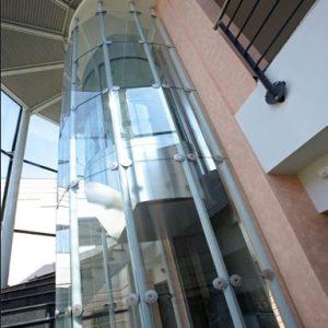 ascensor para tienda 2 300x300 - Ascensores