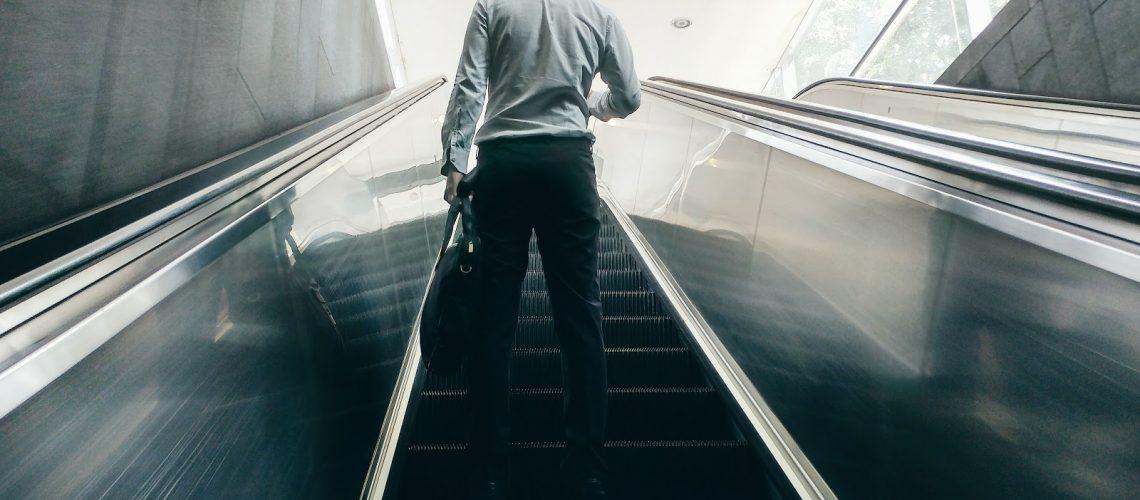 mantenimiento de escaleras mecanicas